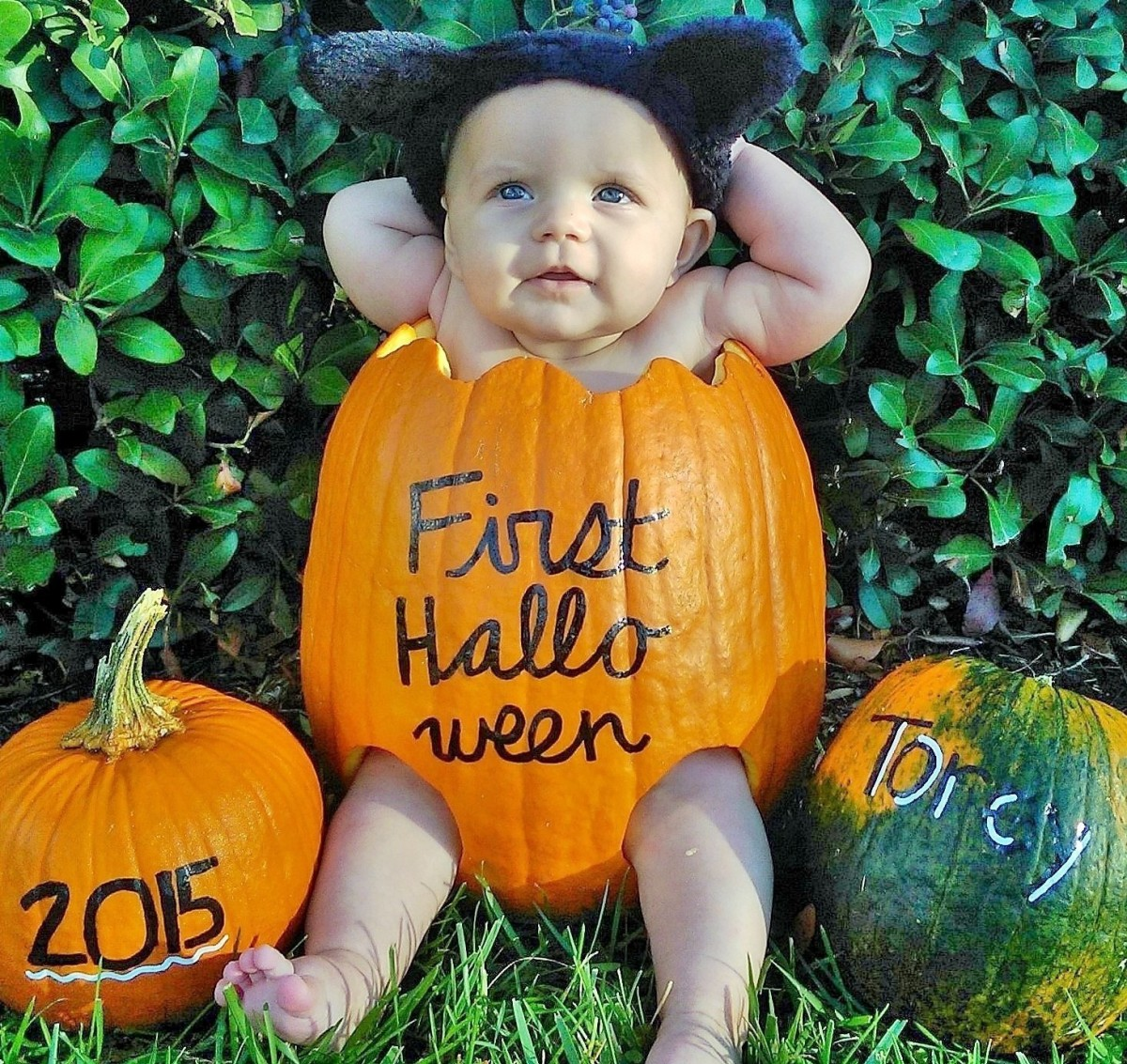 Baby Gifts For Halloween : Diy baby in a pumpkin wrighting it down